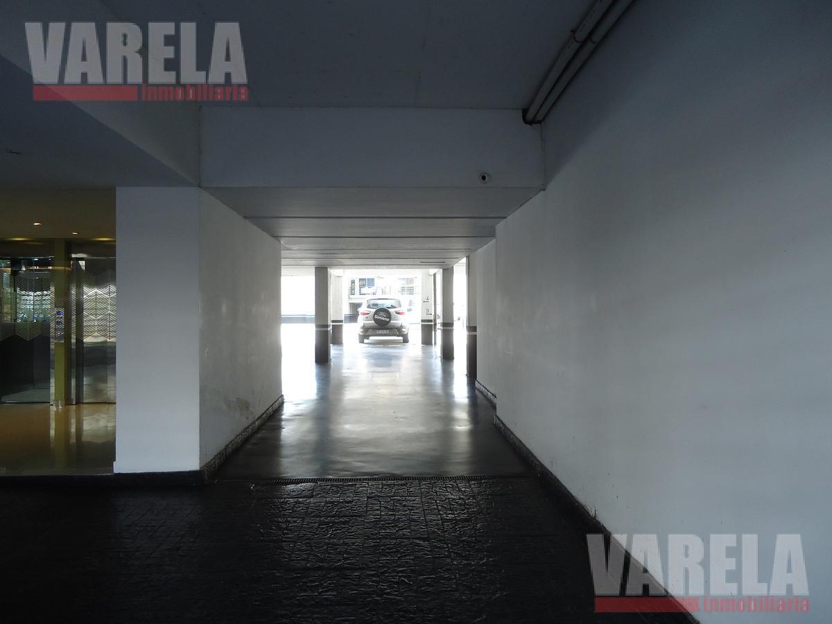Foto Local en Venta en  Flores Norte,  Flores  Gavilán 800