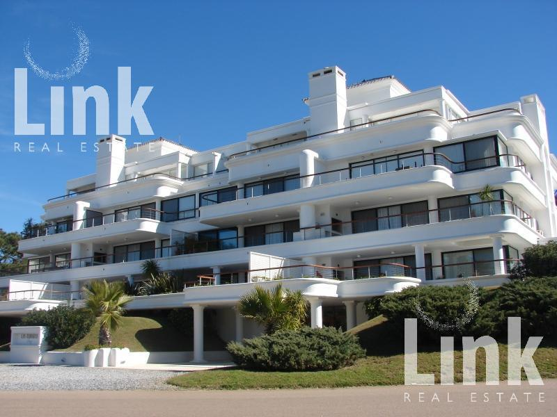Foto Edificio en Playa Brava Parada 12 Playa Brava número 1