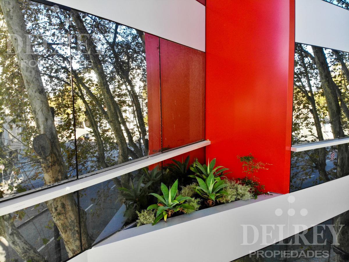Foto Edificio de oficinas en Parque Rodó Bvar. España próximo a Cassinoni número 10
