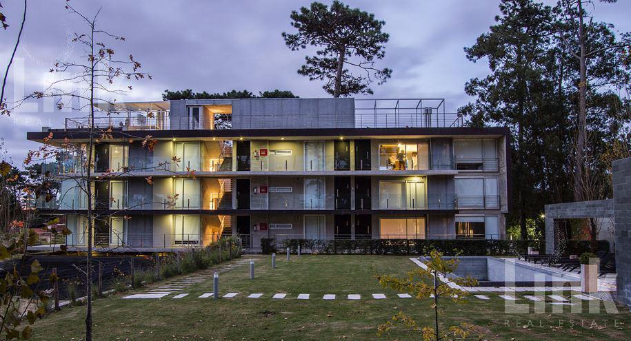 Foto Edificio en Playa Mansa EDIFICIO P 18 número 3