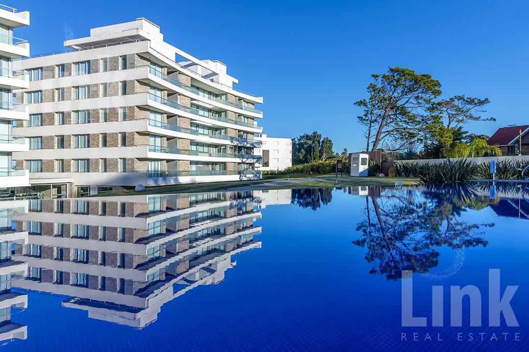 Foto Edificio en Playa Mansa Parada 28 número 9