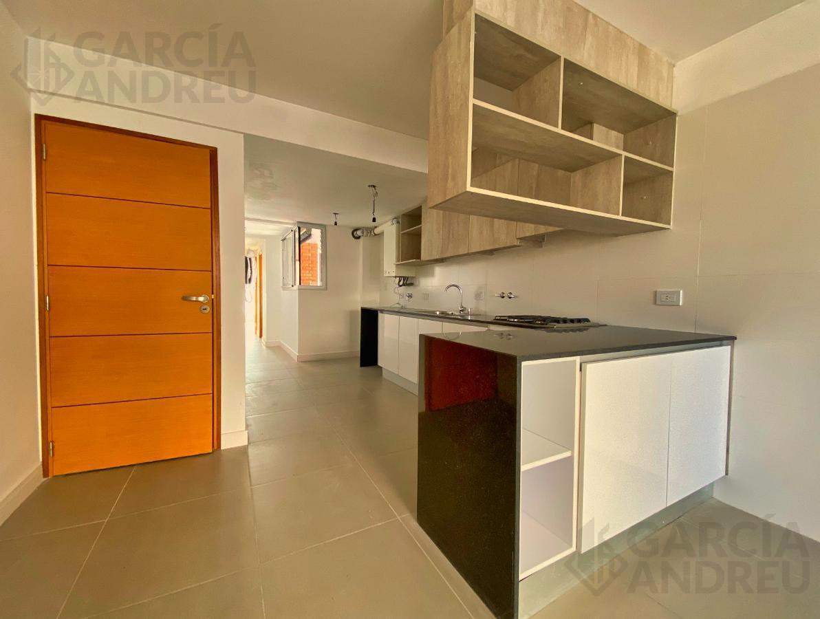 Foto Edificio en Macrocentro Montevideo 2500 número 2