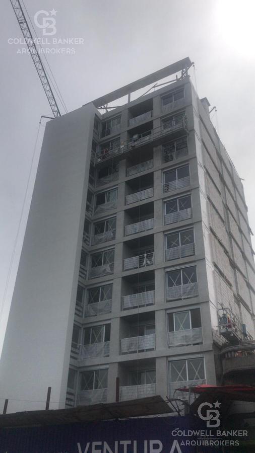 Foto Edificio en Tres Cruces             Avda. Garibaldi  y Montecaseros           número 3