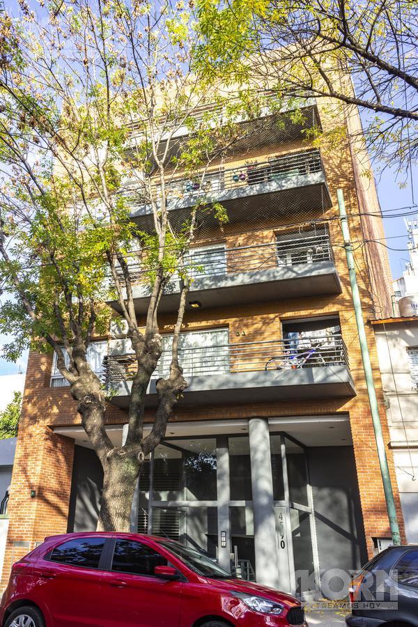 Foto Edificio en Saavedra Besares entre Machain y Gral. Mariano Acha numero 2