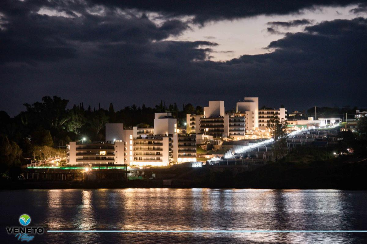 Foto Edificio en Villa Parque Siquiman Villa Parque Síquiman número 3