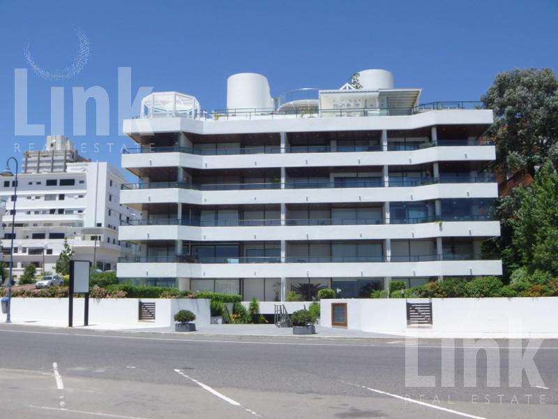 Foto Edificio en Puerto Rambla Portuaria esquina calle 30 número 1