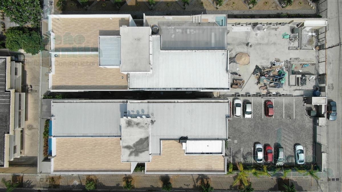 Foto Edificio en Vía a la Costa Urbanización Santa Cecilia  número 8