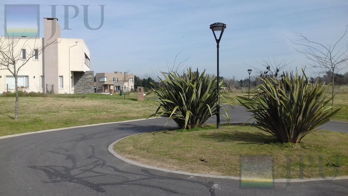 Foto Casa en Venta en  El Canton,  Countries/B.Cerrado (Escobar)  GOLF al 300