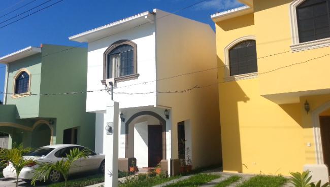 Foto Barrio Privado en Los Castaños Segundo Anillo de Circunvalación,  Atras de la Col. Los Castaños. número 5