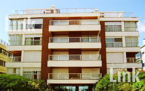 Foto Edificio en Península Uruguay Link número 1