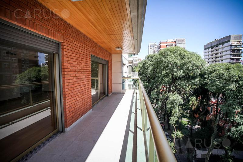 Foto Edificio en Belgrano R Conesa 1965 número 15