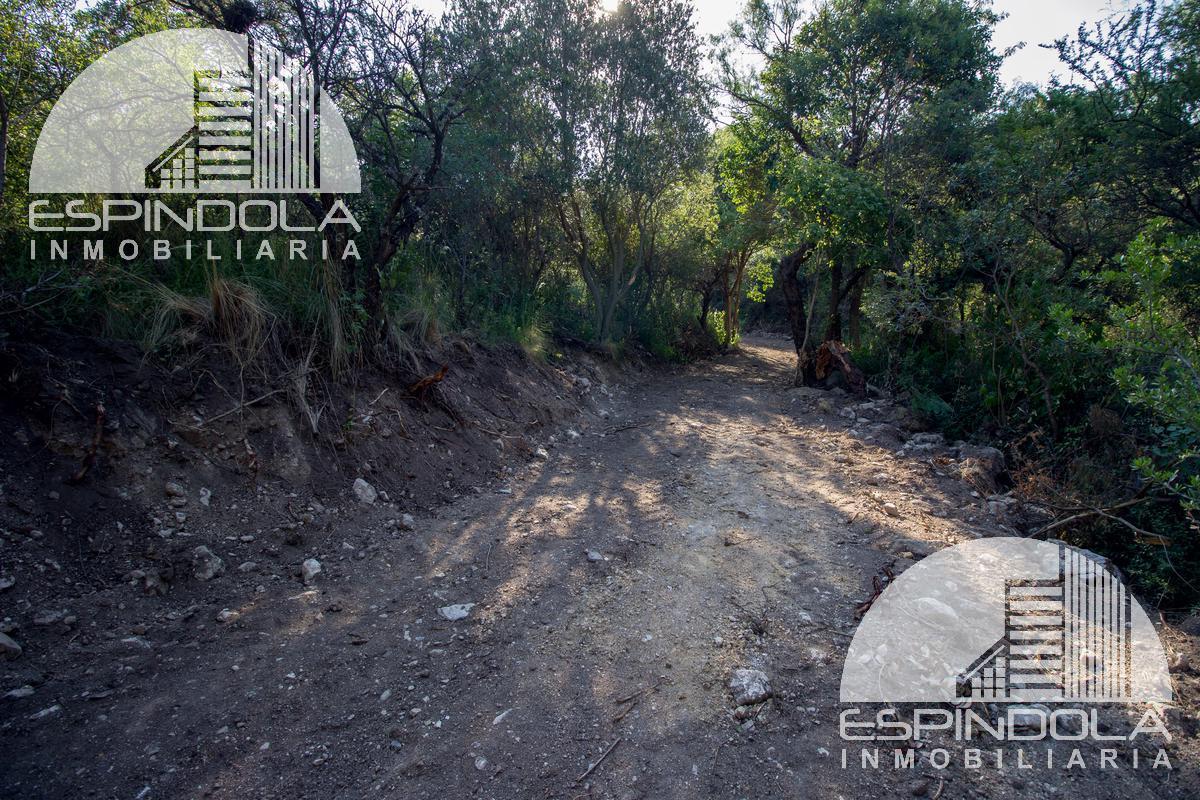 Foto Barrio Abierto en Piedra Blanca Arriba Dos Venados 2900 número 11