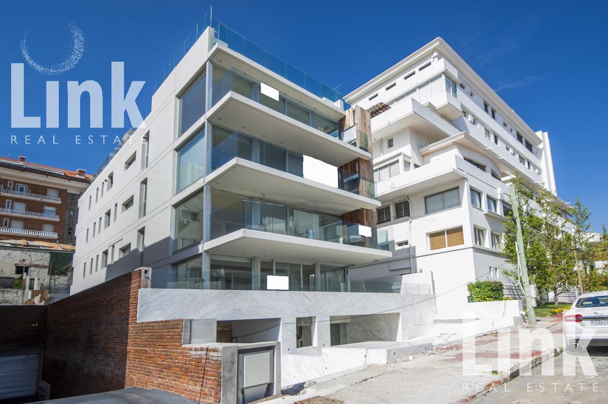 Foto Edificio en Península Uruguay Link número 2