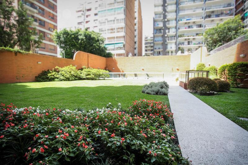 Foto Edificio en Belgrano R Conesa 1965 número 18