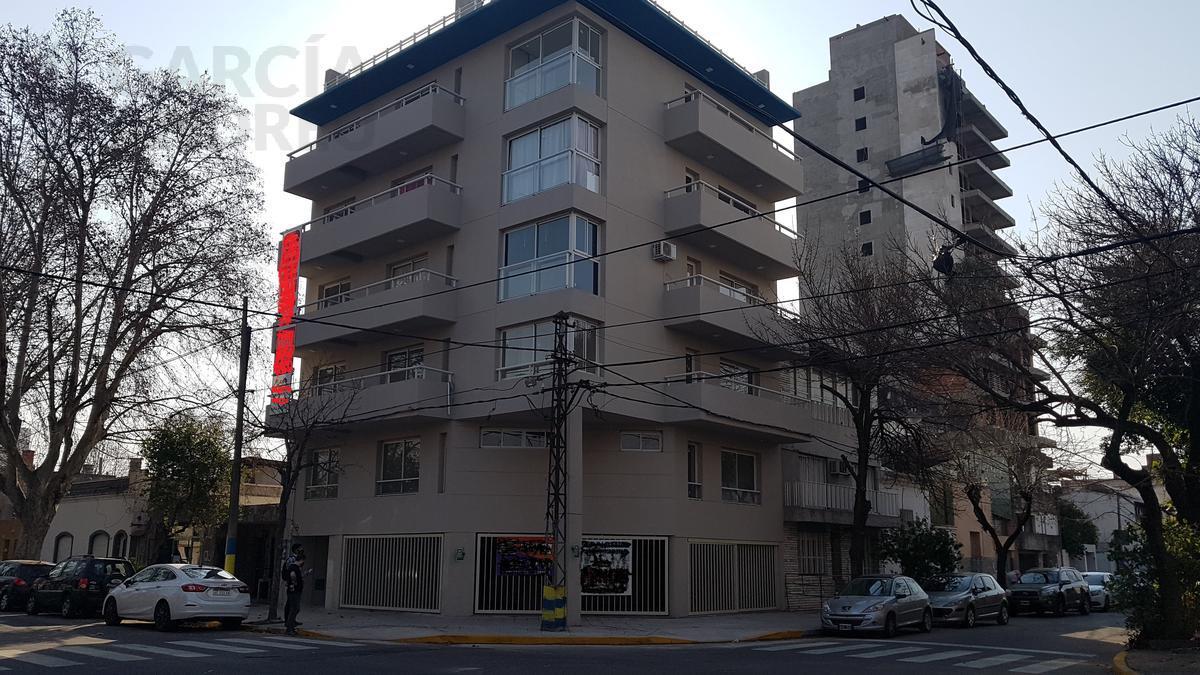 Foto  en Arroyito Génova y Joaquín V González
