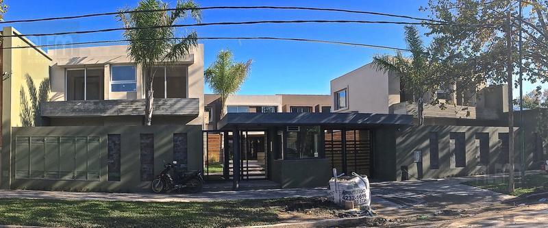 Foto Condominio en  Casas de Alvear - Alvear 430