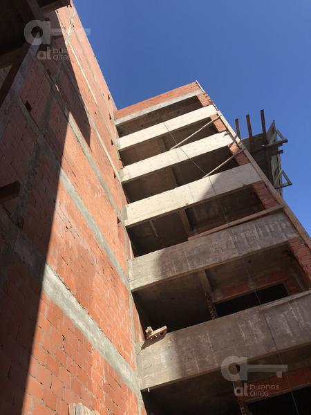 Foto Edificio en Villa Luro Oliden al 400 número 4