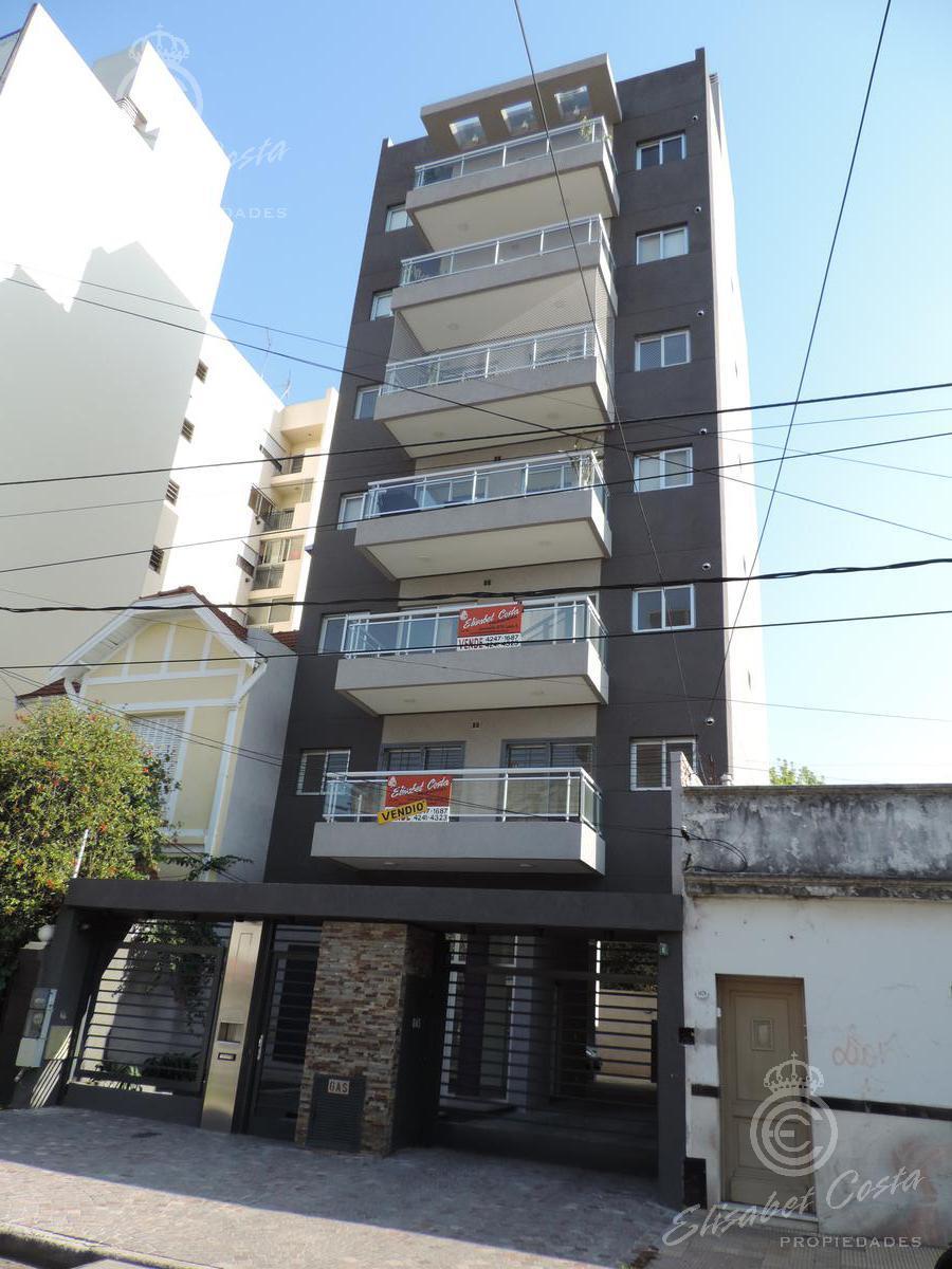 Foto EMPRENDIMIENTO - Edificio en  en  Lanús , Lanús  Arturo Illia 1085