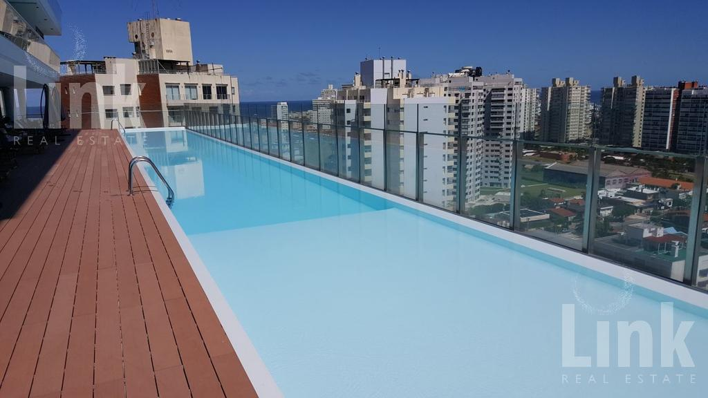 Foto Edificio en Playa Brava Parada 2 playa brava, calle Yaro esquina Lenzina número 2