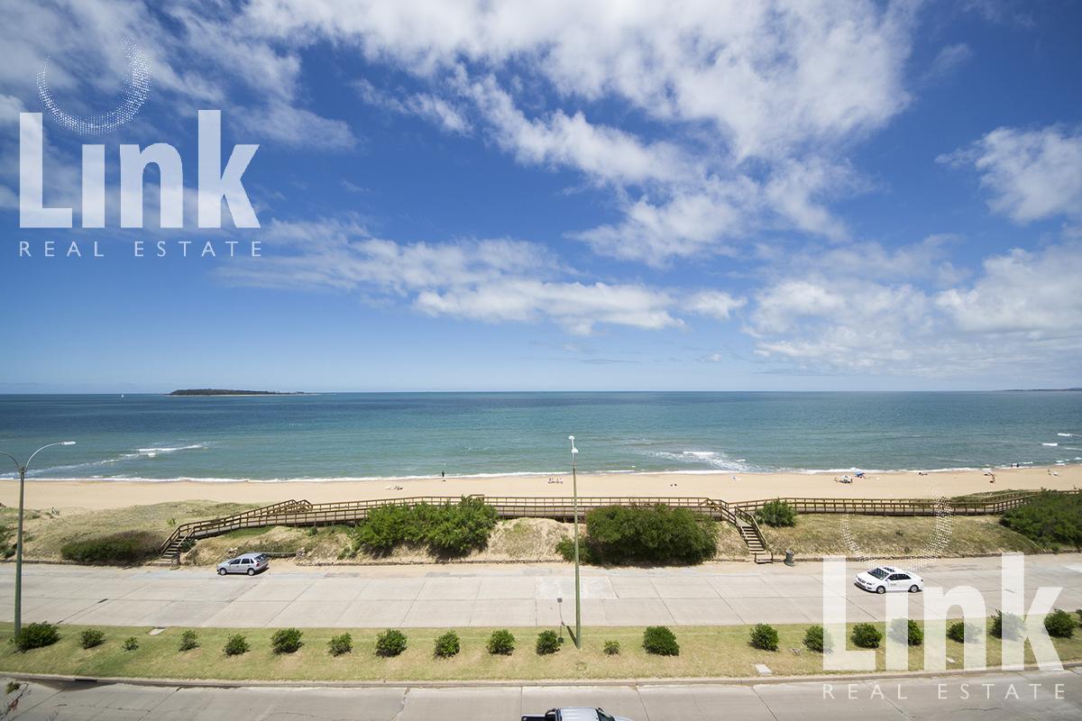 Foto  en Playa Mansa Uruguay Link