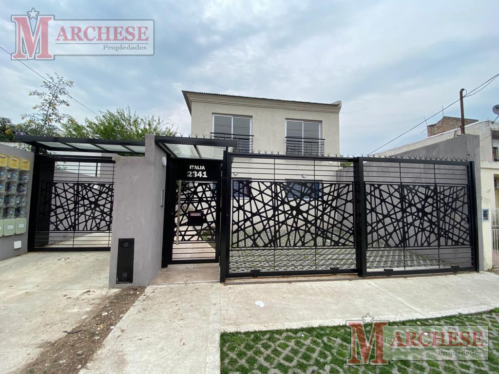 Foto Condominio en Castelar Norte Italia 2341 número 1