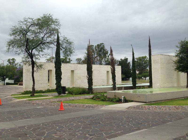 Foto Edificio en León Camino a comanja número 5