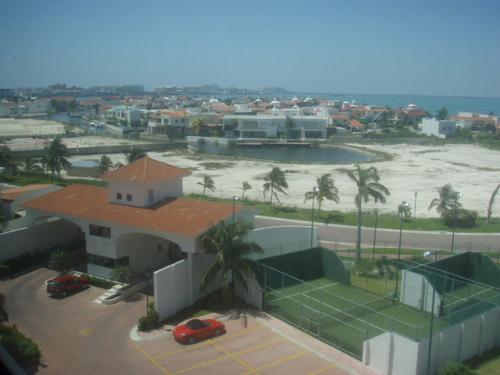 Foto Country en Altamira Blvd. KukulKán Km 12.5 Zona Hotelera. número 2