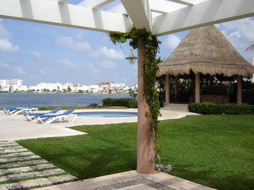 Foto Country en Altamira Blvd. KukulKán Km 12.5 Zona Hotelera. número 5