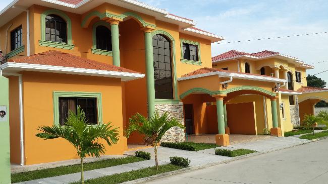 Foto Barrio Privado en Los Castaños Segundo Anillo de Circunvalación,  Atras de la Col. Los Castaños. número 13