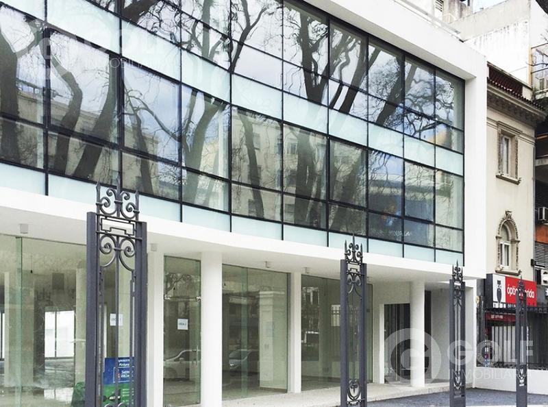 Foto Edificio de oficinas en Parque Batlle Oficinas y locales comerciales número 1