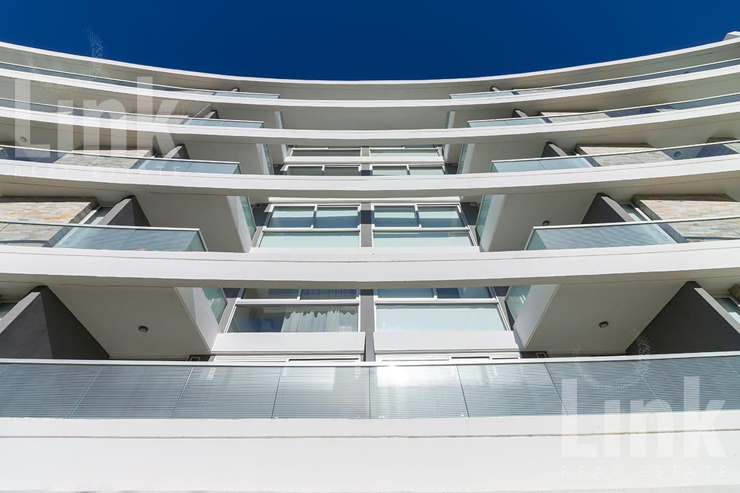 Foto Edificio en Playa Mansa Parada 28 número 5