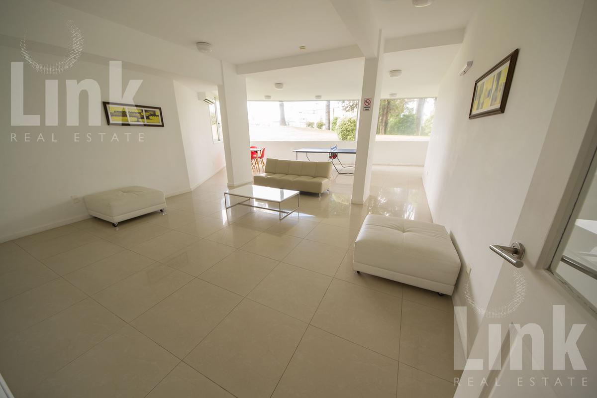 Foto Edificio en Playa Mansa Av Fco. Acuña de Figueroa 2555 número 5