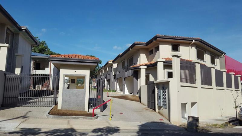 Foto Barrio Privado en Piedades Hacienda Paraiso carretera  a Piedades de Santa Ana  número 1