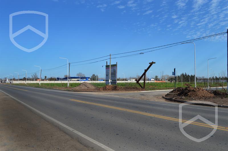 Foto Comercial en Perez Paseo Belgrano - Perez número 13