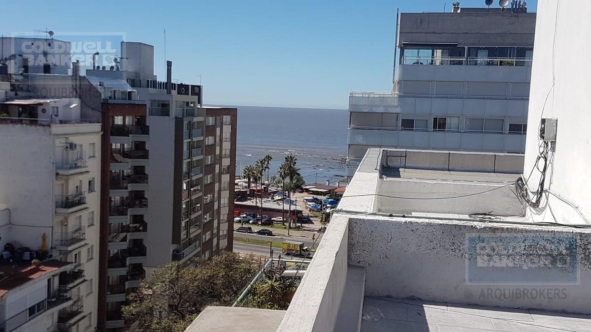 Foto Edificio en Punta Carretas             Montero y Rambla           número 3