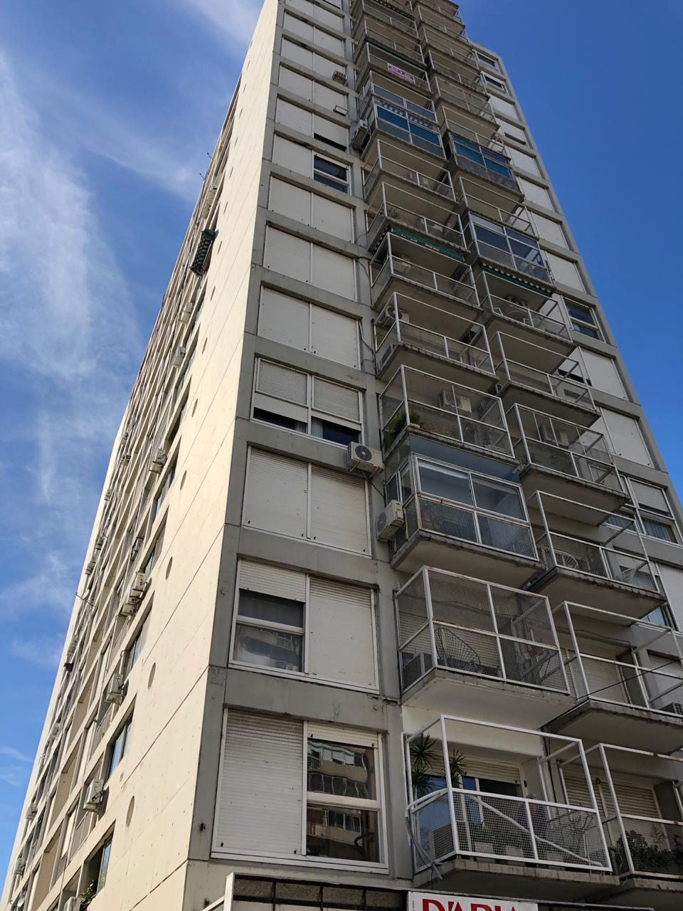 FotoDepartamento en Venta |  en  Vicente López ,  G.B.A. Zona Norte  Av. Maipu al 1800
