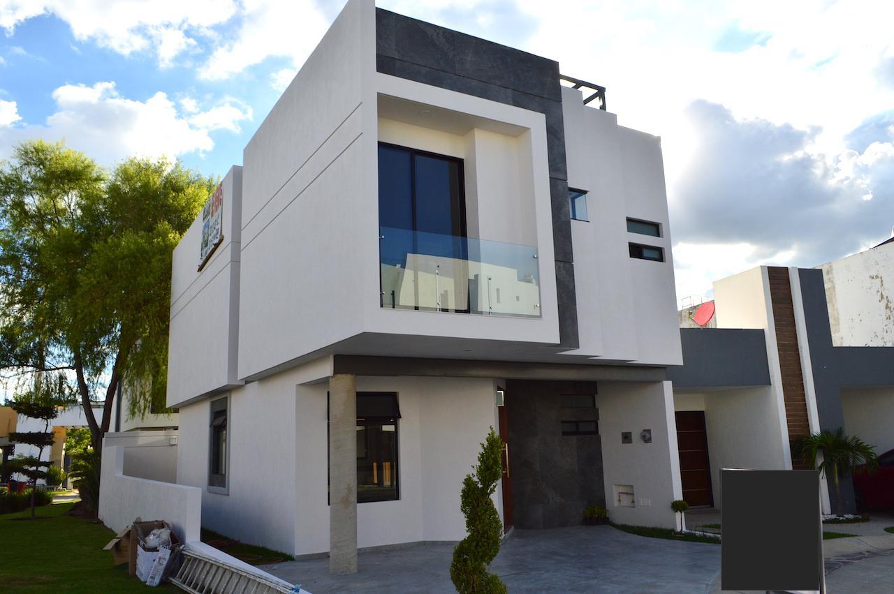 FotoCasa en Venta |  en  Altavista Residencial,  Zapopan  Altavista Poniente 450 124