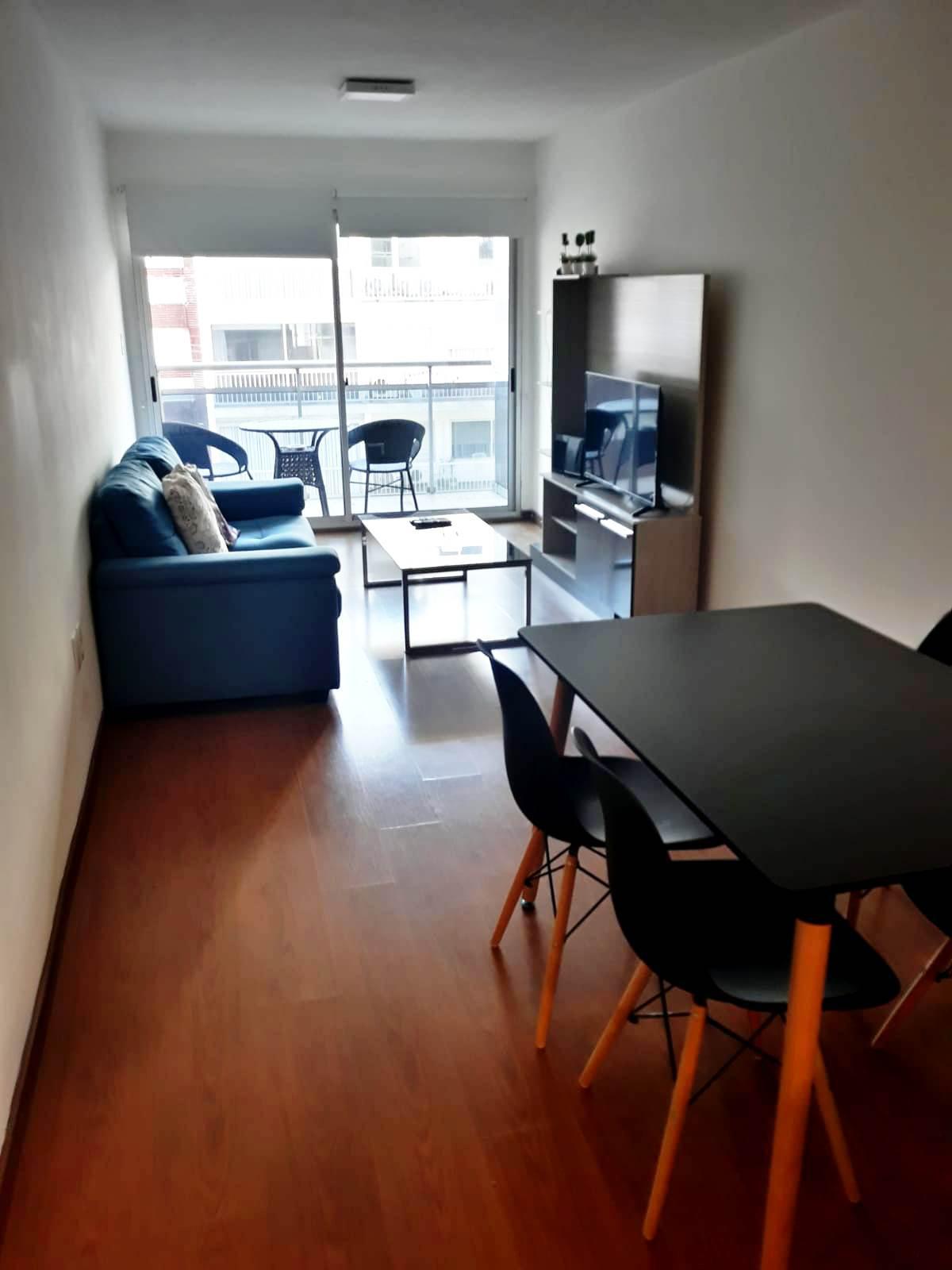 FotoDepartamento en Alquiler |  en  Pocitos ,  Montevideo  Guayaqui y Berro 1 dor con muebles y garaje