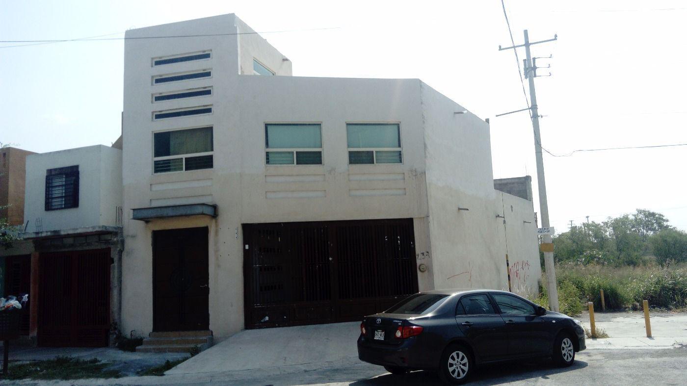 FotoCasa en Venta |  en  Arcadia,  Juárez  Casa Col Arcadia, Juarez NL. Grande, Espaciosa, Oportunidad