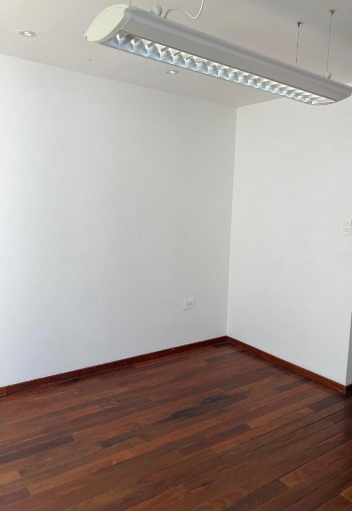 FotoOficina en Renta |  en  Anzures,  Puebla  Oficina en renta zona Plaza Dorada, oficina de 16m2 con Jardin
