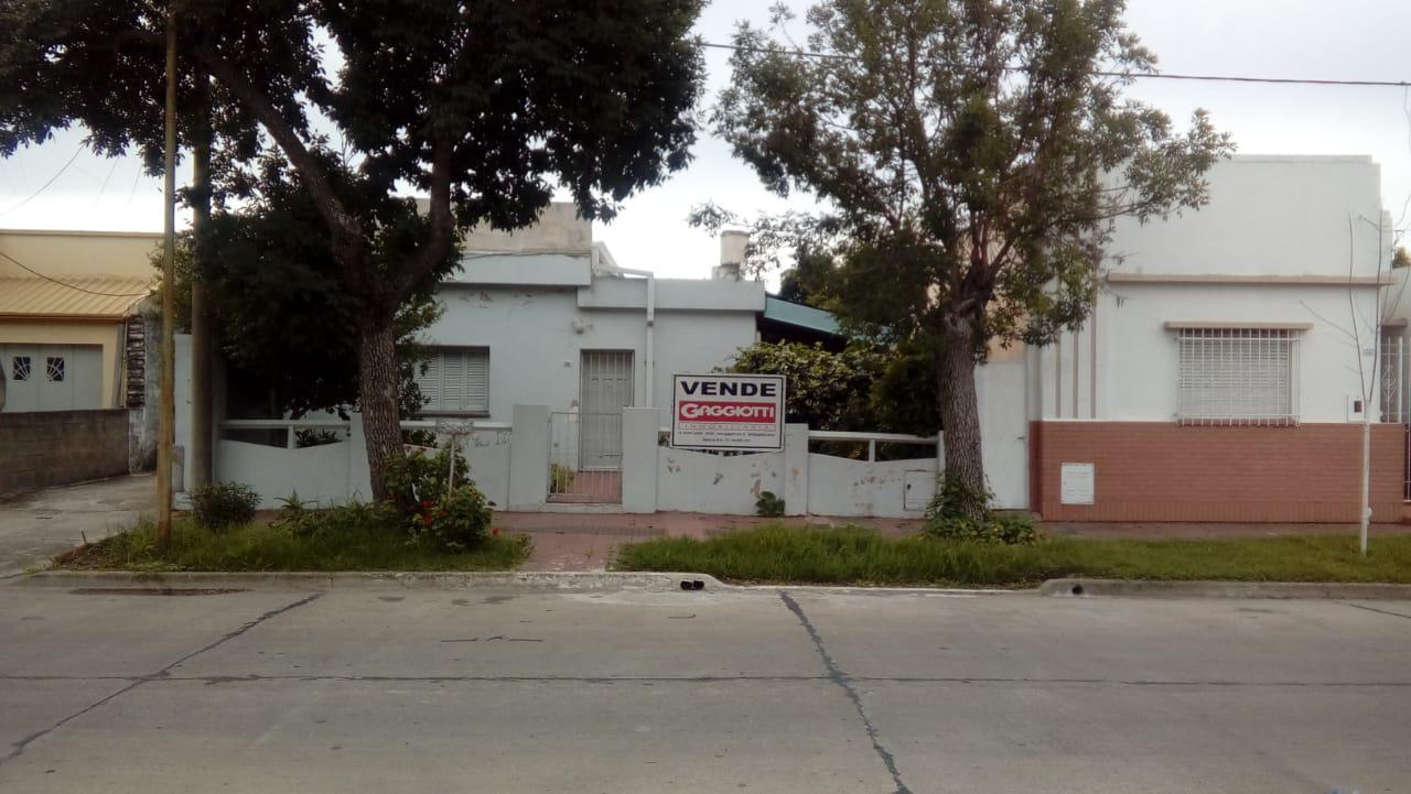 Gral. J. P. López 246 - Gaggiotti Inmobiliaria cuenta con más de 50 años desde que se inicio en el negocio de los servicios inmobiliarios.