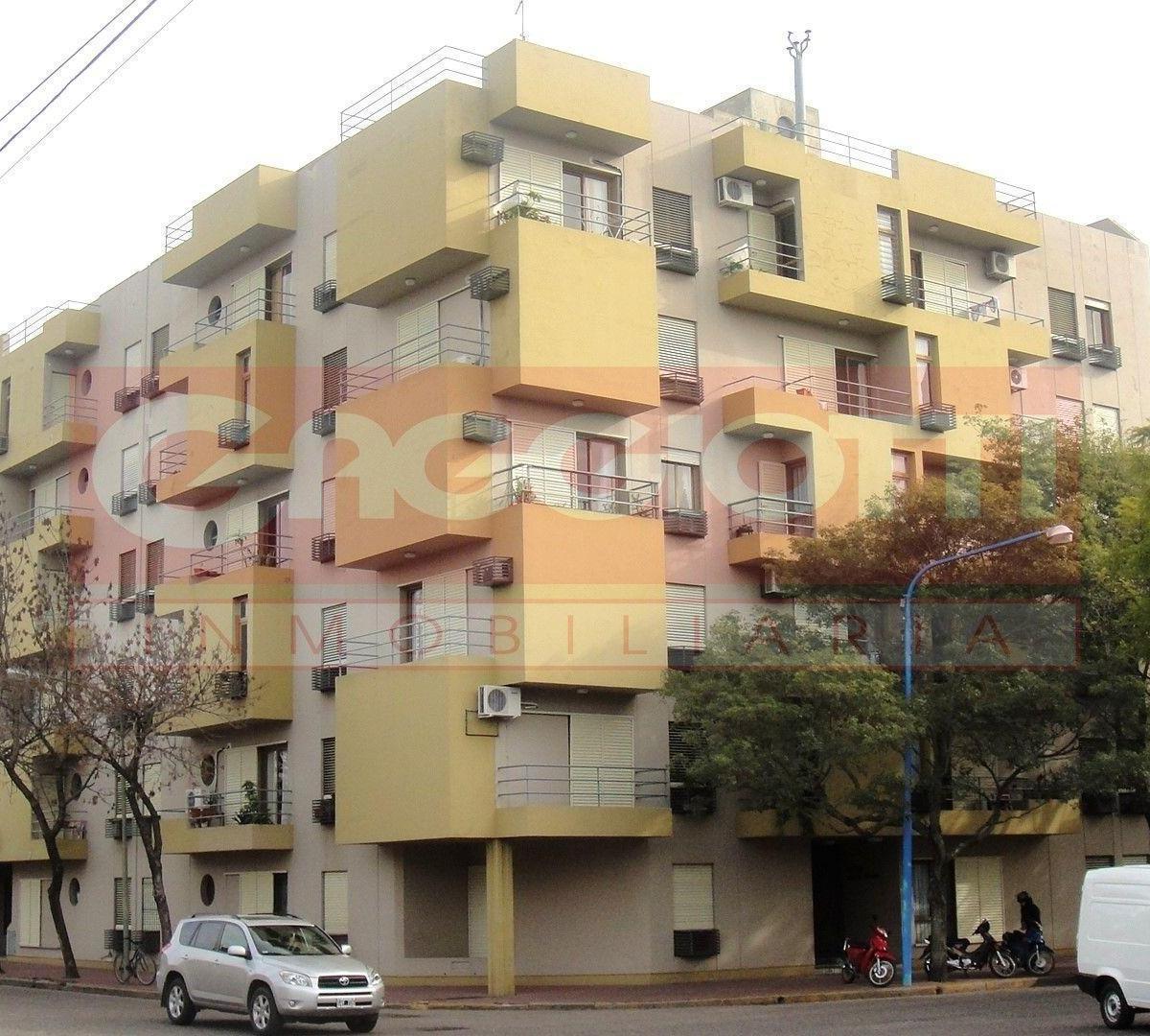 Velez Sarsfield esq. Av. H. Irigoyen 5º Piso - Gaggiotti Inmobiliaria cuenta con más de 50 años desde que se inicio en el negocio de los servicios inmobiliarios.