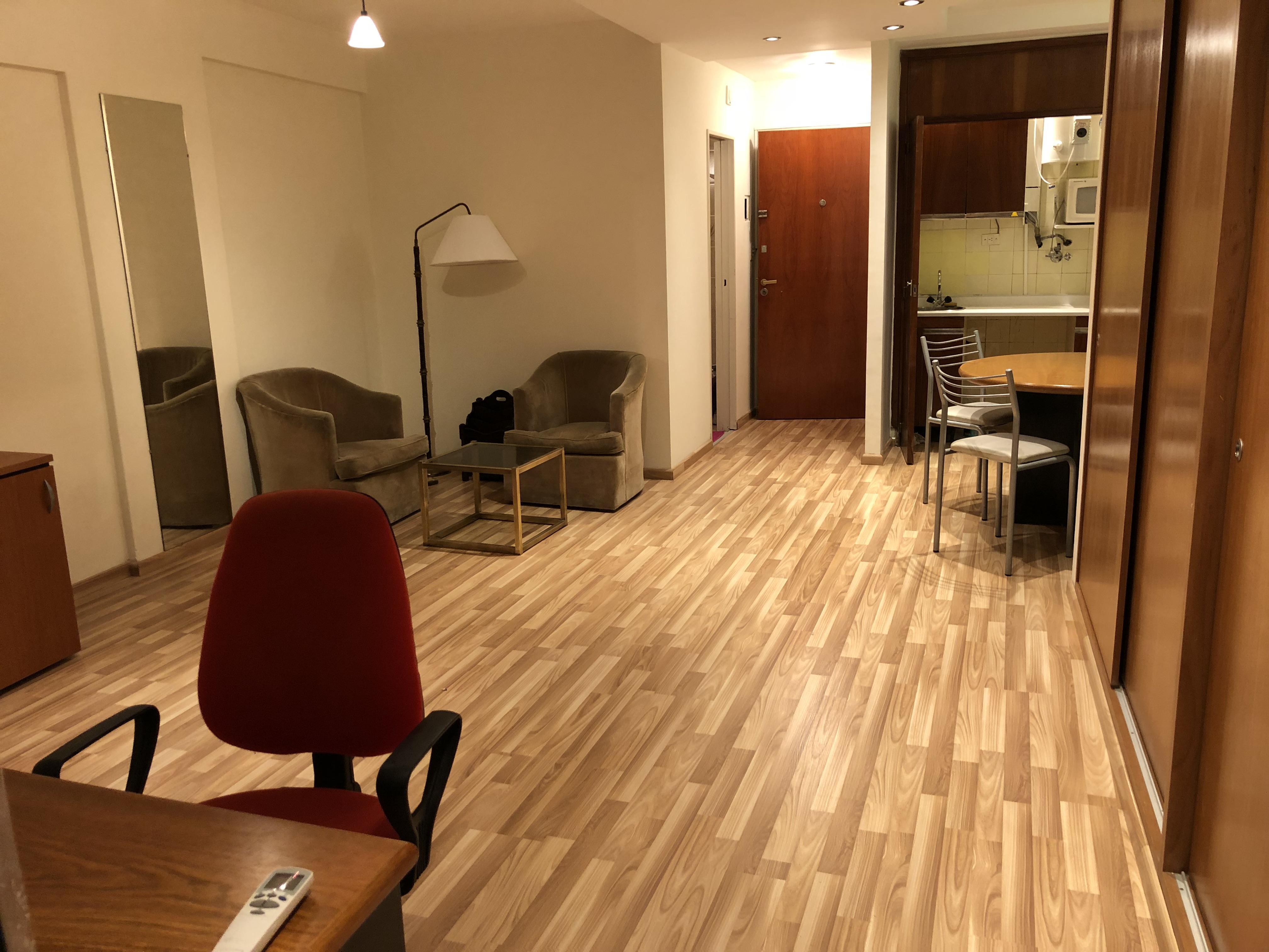 FotoDepartamento en Alquiler | Alquiler temporario |  en  Microcentro,  Centro (Capital Federal)  Esmeralda al 300