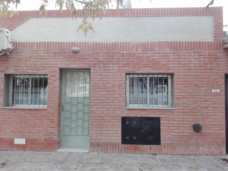 FotoDepartamento en Alquiler    en  General Roca ,  Rio Negro  MISIONES  al 1300