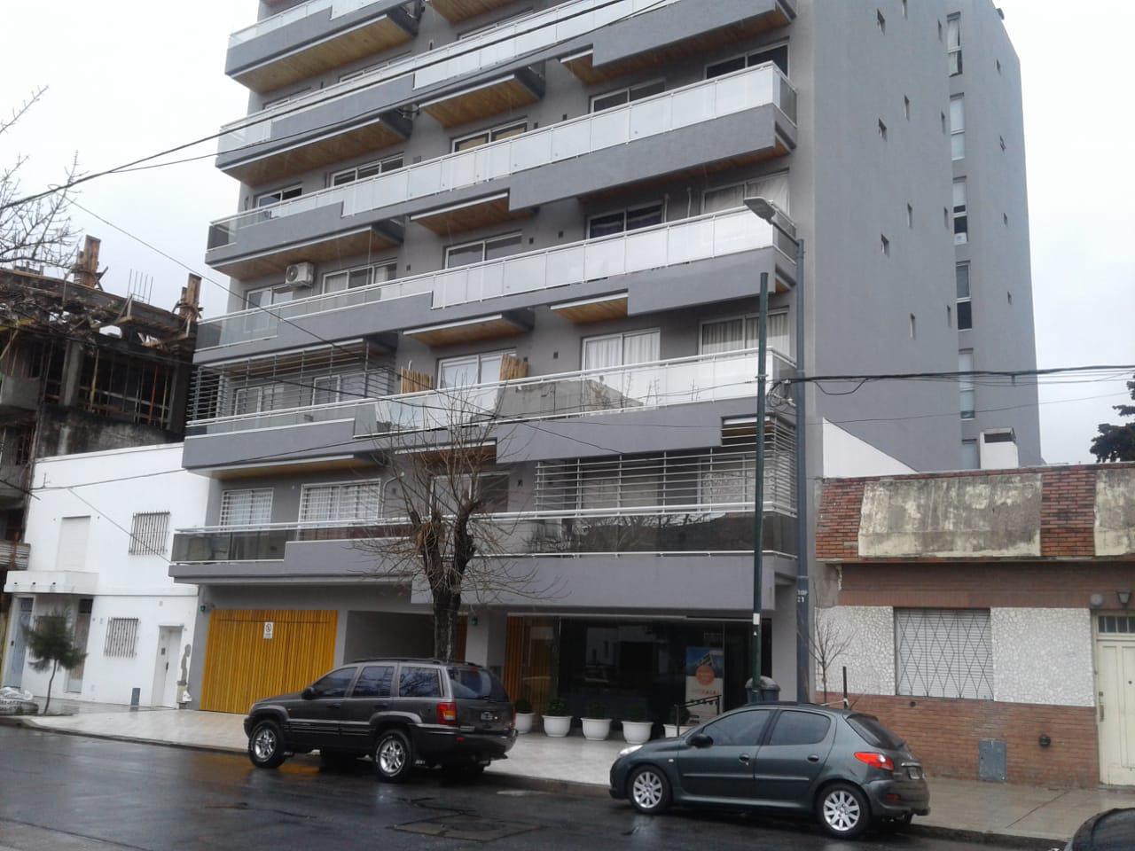 FotoDepartamento en Alquiler    en  Villa del Parque ,  Capital Federal  Llavallol al 2100