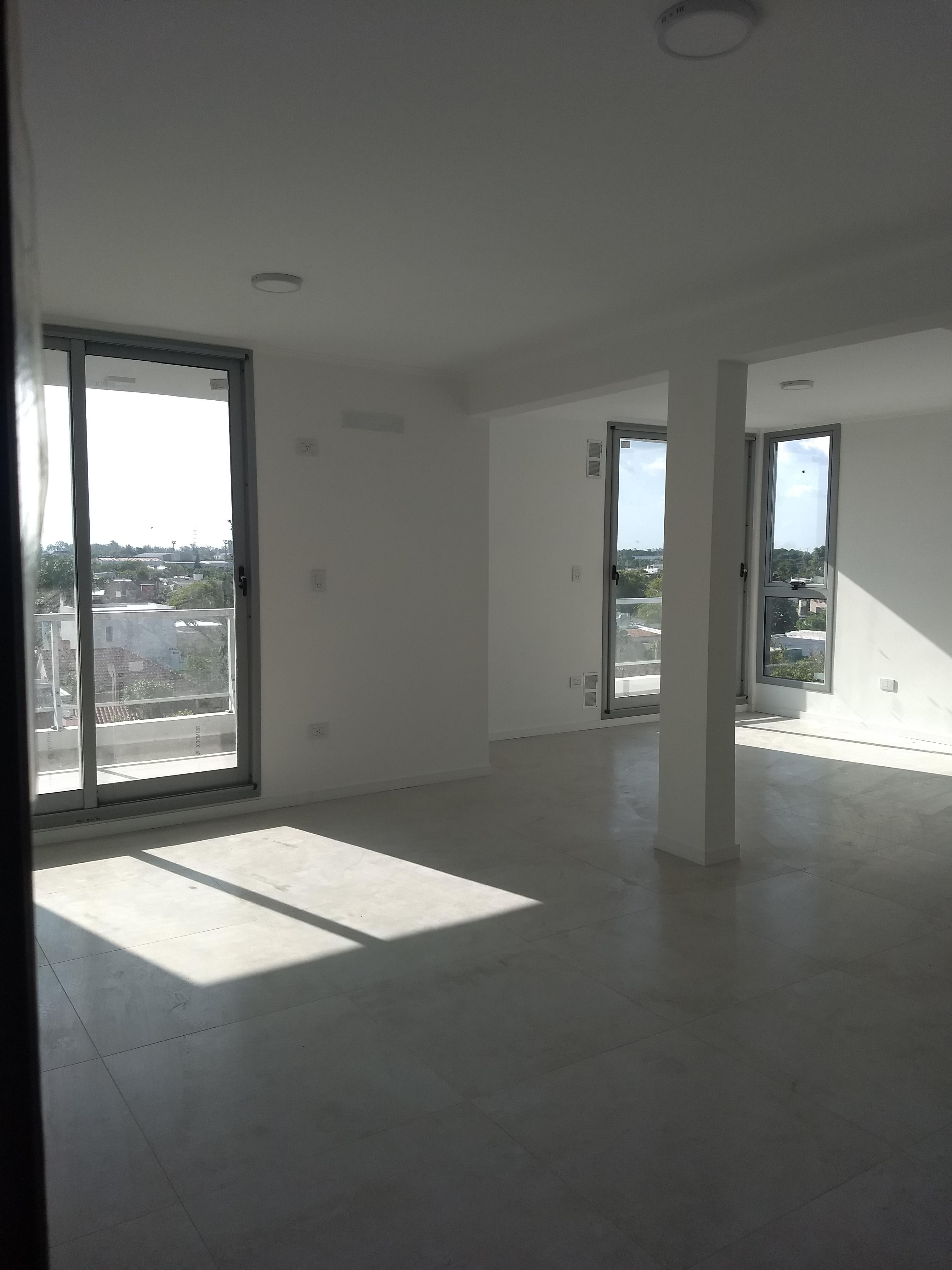 Maipú y Arenales 4º Dpto. 2 - Gaggiotti Inmobiliaria cuenta con más de 50 años desde que se inicio en el negocio de los servicios inmobiliarios.