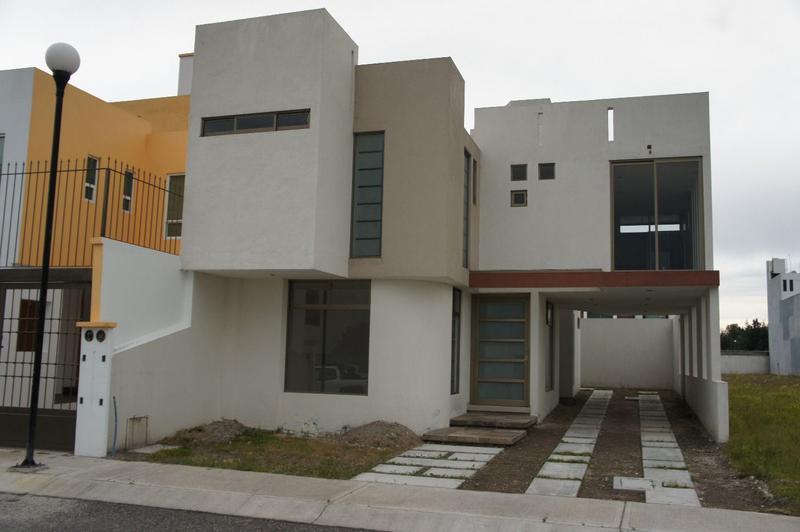 FotoCasa en condominio en Venta |  en  Zimbrones,  Zinacantepec  Casa Nueva en Venta en Bosques de ICA Zinacantepec