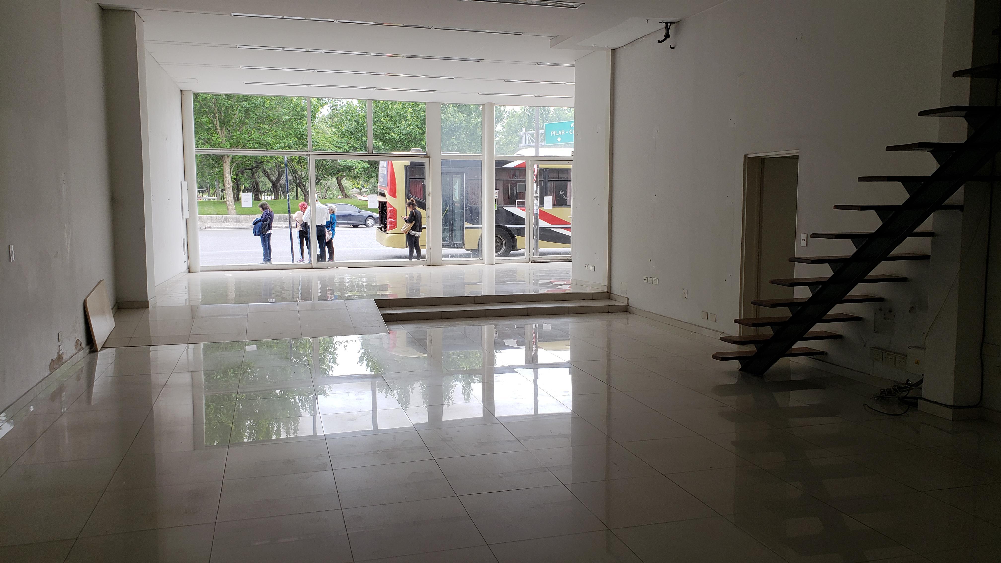 FotoLocal en Alquiler |  en  San Isidro ,  G.B.A. Zona Norte  Av. Marquez y Panamericana - Curupayti 25