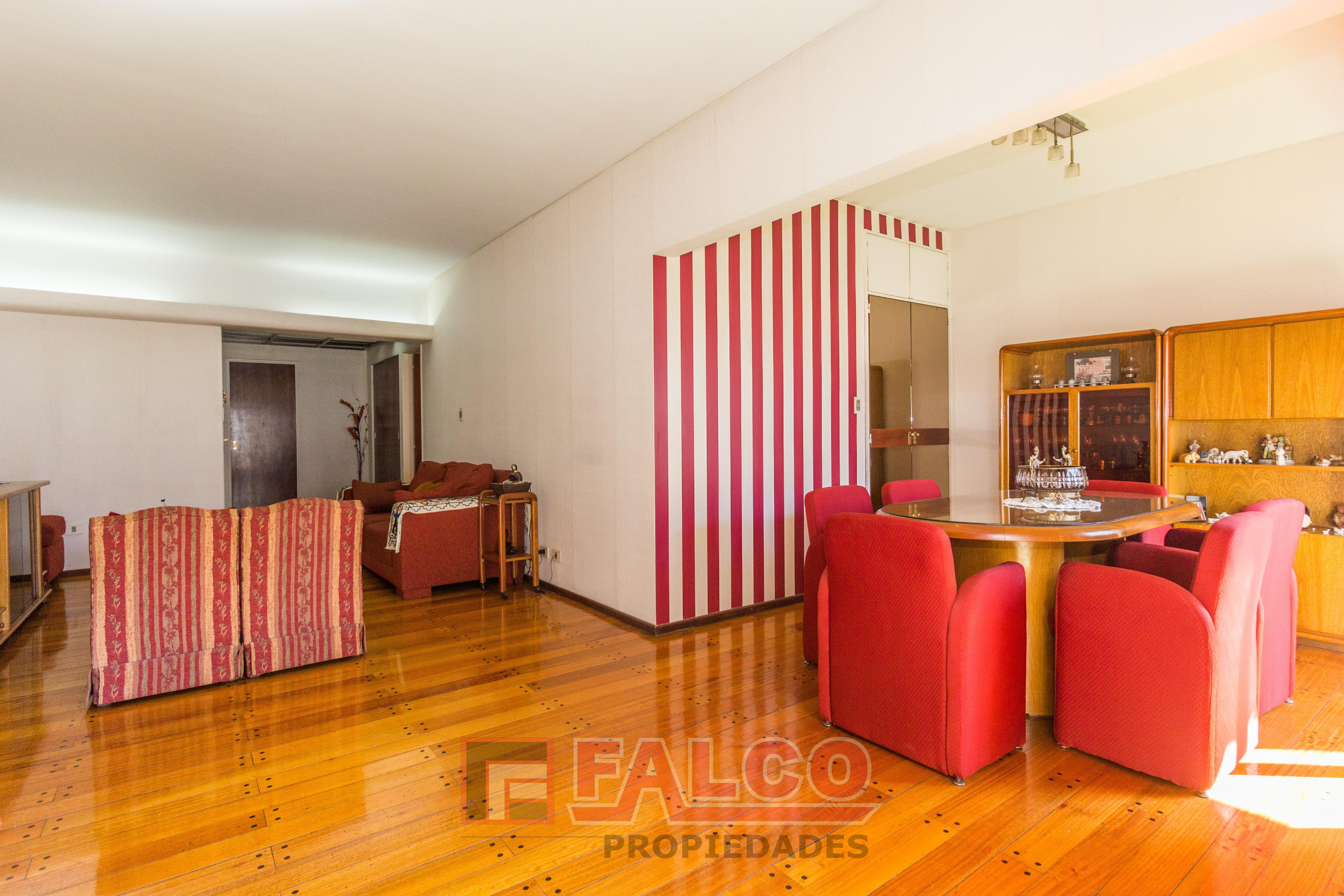 FotoDepartamento en Venta |  en  Caballito ,  Capital Federal  Martin de Gainza y Rivadavia