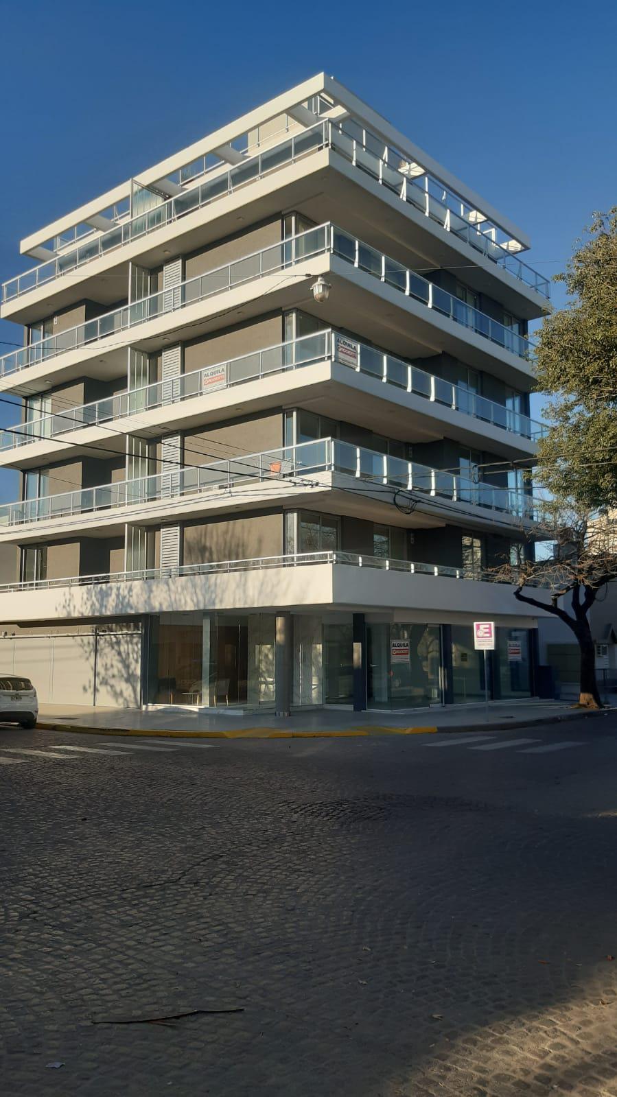 Torre Mya (Maipú y Arenales 3ºA) - Gaggiotti Inmobiliaria cuenta con más de 50 años desde que se inicio en el negocio de los servicios inmobiliarios.